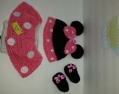 Photo prop : Crocheted Minnie Mouse set for baby girls Minnie Mouse hat, diaper cover/skirt   and booties