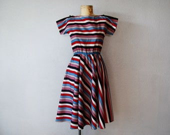 vintage STRIPED full skirt day dress