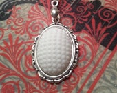 1940s Vintage Milk Glass Cabochon on Necklace