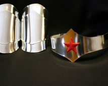 Wonder Woman New 52 Style Silver Cuff bracers and Tiara with star costume accessories
