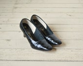 1960s Black Reptile Pumps --- Vintage Black Thos. Cort Shoes