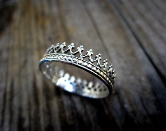 SALE - Sterling silver crown ring - princess ring - queen ring - thumb ring - dainty ring - fancy ring