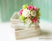Dollhouse Miniature Flowers - White Blooming Roses Bouquet