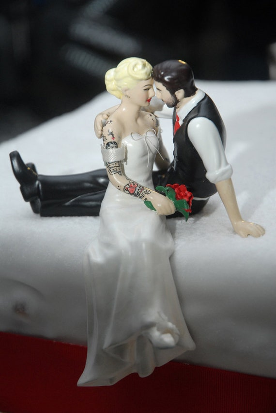 tattoo wedding cake toppers tattooed wedding cake topper and groom tattoos 20765