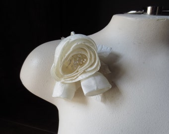 SALE IVORY  Silk Millinery Rose with Buds for Bridal, Sashes, Hats MF 136