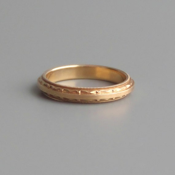 Art deco gold ring geometric top bottom wedding band for Geometric wedding ring
