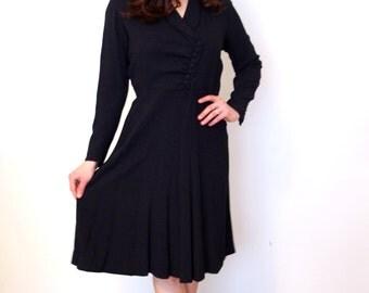 French Vintage 1940s black crepe dress - large L