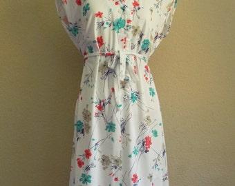 Vintage FLOWER Print Dress • 1970s White Floral Dress • Large