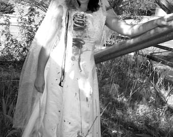 ZOMBIE Bride Wedding Dress gown BURTON Corpse Costume S-M with Veil