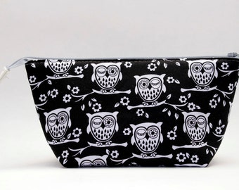 Black and White Winking Owls Wide Open Zipper Pouch/Makeup Bag