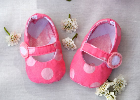 Baby and Toddler Reversible Mary Jane's Baby Shoes-  PDF PATTERN with 3 strap options/ 5 different sizes