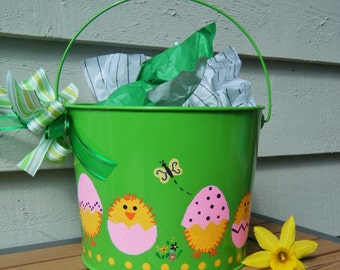 Personalized Easter Bucket, Easter Basket - Green Bucket with Hatching Chicks - Hand painted Spring Decor, Toddler or Baby Gift Easter Party
