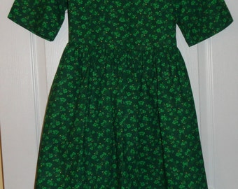 St. Patrickks Day,Darling Vintage Girls Shamrock Dress, Green Shamrocks and Tiny Yellow Flowers