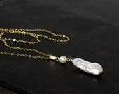 14ky Goldfilled Stick Pearl Pendant on a goldfilled chain