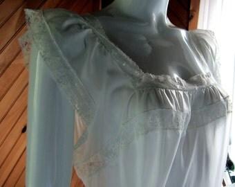 Vintage Lingerie | Vintage Lingerie 1960s |  Vanity Fair Vintage Nightgown | Vintage Nightie | 1950s Vintage Lingerie | Sexy Lingerie | Lacy