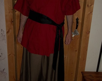 Red kimono in cotton fabric.