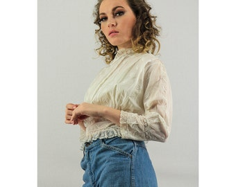 Vintage Edwardian blouse / Antique white cotton button back shirtwaist XS