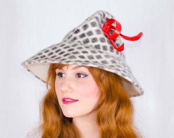1960s vintage hat / mod hat / Leslie James