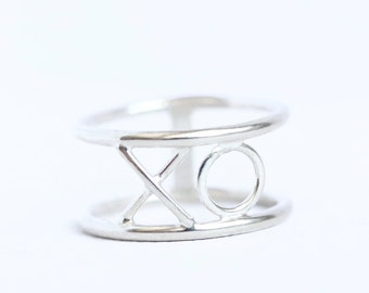 XO ring, Valentine jewelry, sterling silver, valentines day, gift for her, romantic, hug and kiss, love, hugs and kisses, wide ring band
