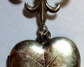 Vintage Sterling Fleur De Lis Heart Shape Locket Pin Brooch with Gem