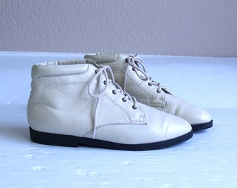 vtg 80s CREAM leather ANKLE BOOTS 8 lace up booties flats oxfords brogues pixie grunge shoes
