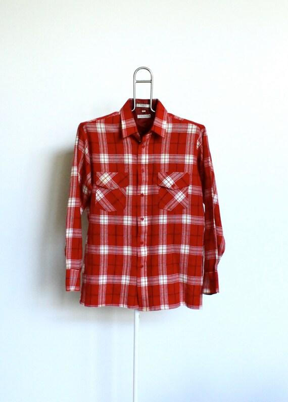 SALE / Red Plaid Acrylic Flannel Shirt Mens size Large Vintage Van Heusen Grunge Womens Unisex