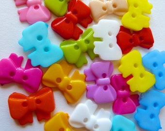 20 x 18mm Bow Shaped Buttons