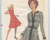 1970s Vogue 8370 Misses' Dress with Flared Skirt Vintage Sewing Pattern Bust 34 UNCUT