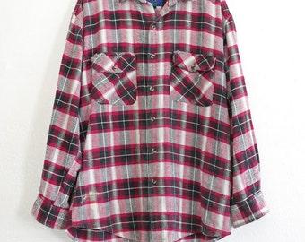 sale // cozy plaid flannel - M