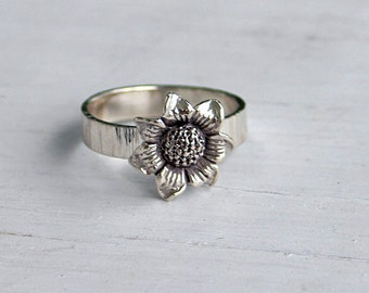 Sterling silver sunflower ring, statement ring, botanical ring, women, eco friendly, bridesmaid gift, wedding, bridal gift, band,