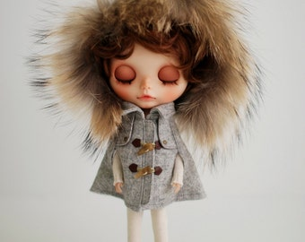 Miss yo Fluffy Winter Cape for Blythe doll - doll outfit - Grey
