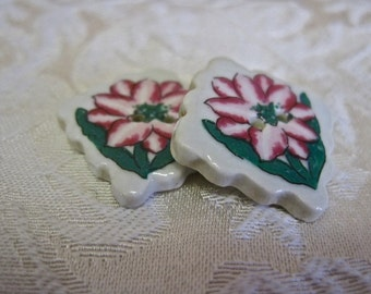 Flower Buttons Pink Amaryllis Vintage Supplies Vintage Buttons Porcelain Square with Rippled Edges