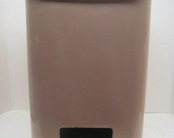 Vintage retro pink trashcan step trash can retro kitchen decor - Pink kitchen trash can ...