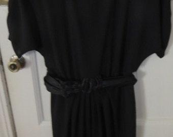 Very pretty black 80s dress