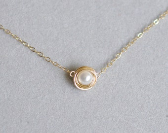 Choker necklace with white fresh water pearls, 14K gold filled, wire wrapped. N088.