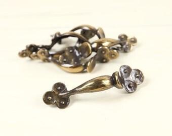 Vintage Brass Curved Drawer, Cabinet handles w/ ornate scallops ends (set of 6)