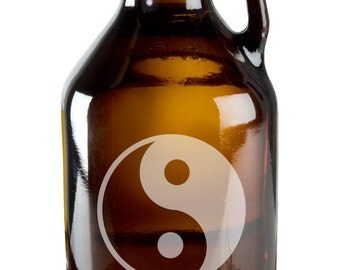 Chinese Yin and Yang Symbol of Balance 64oz Beer Wine Growler