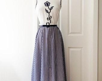 Vintage 70s navy blue white gingham maxi dress/ flower appliqué bodice/ Toni Todd long checkered dress