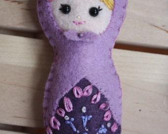 Felt Matryoshka (Babushka) doll. Nesting Doll. Magnet. Ornament.