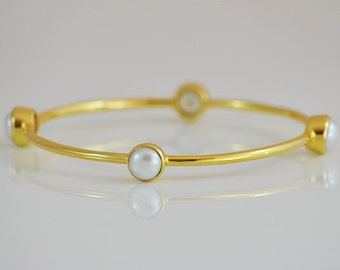 Freshwater pearl bangle bracelet - Pearl gold bracelet, June Birthstone, Bridesmaid gift, wedding jewelry, bridesmaid bracelet, gift for her