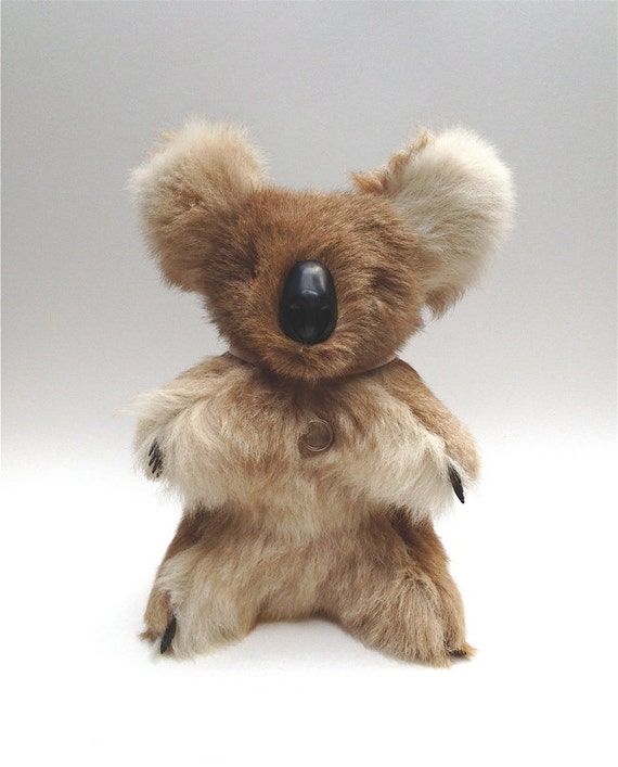 Musical vintage fur koala wind up plays Waltzing Matilda