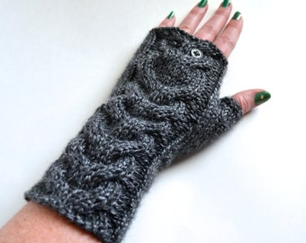 Cabled Owl Fingerless Gloves