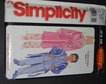 Simplicity 5757 Toddlers and Childs Pajamas and robe sewing pattern - UNCUT  - size S - L