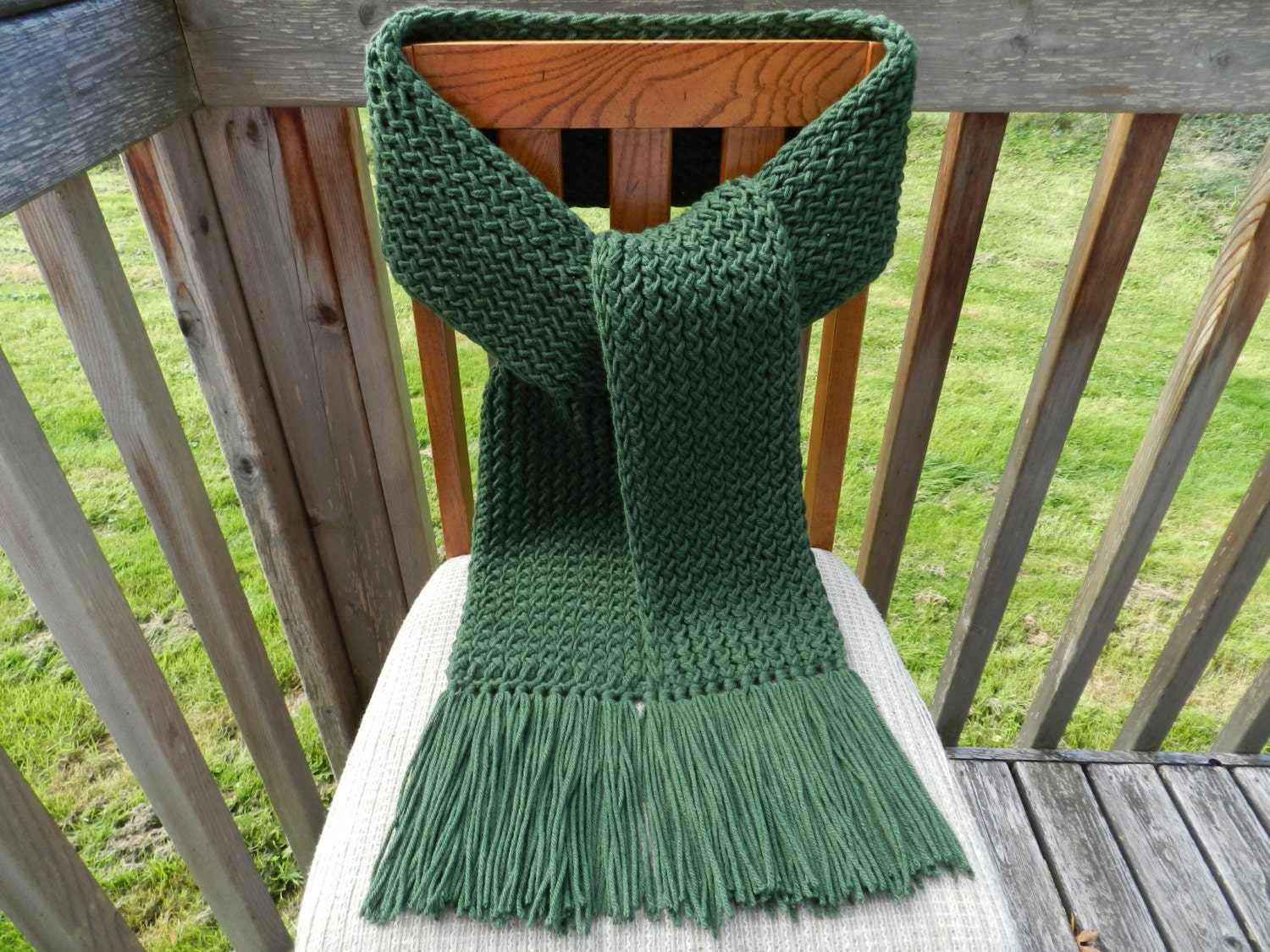 Knitting Loom Scarf Fringe : Green Knit Scarf Super Warm Scarf Loom Knitted Green Winter