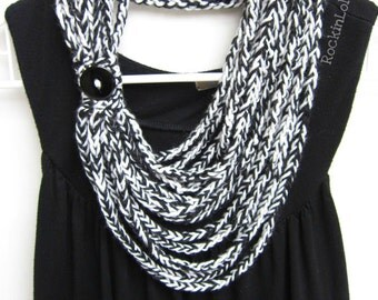 crochet chain scarf - necklace scarf - infinity scarf - scarflette - black and white - handmade by RockinLola