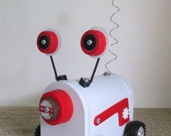 CASPER- Found object robot sculpture~assemblage