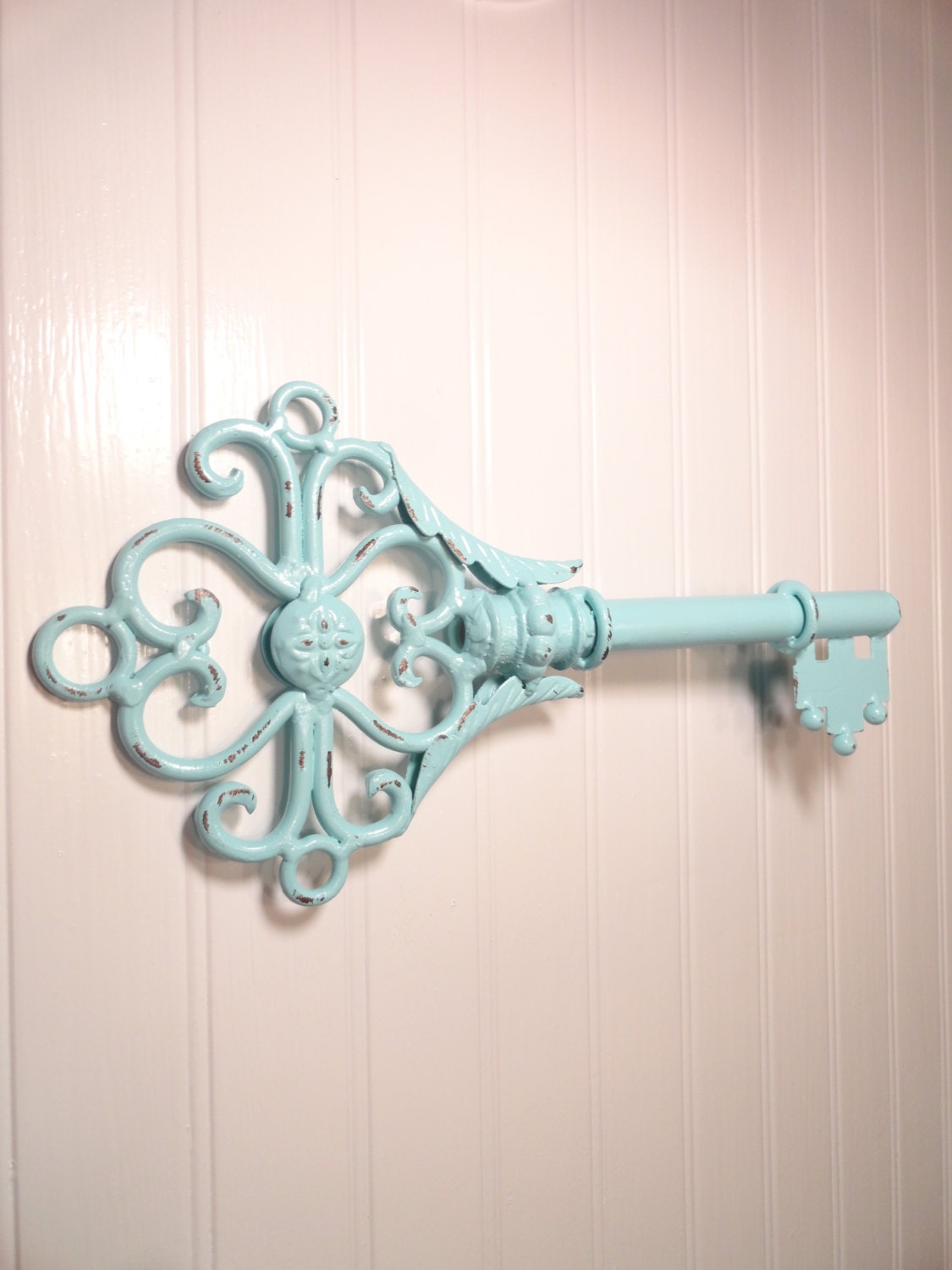 Metal skeleton key wall decor shabby chic wrought iron wall for Wall accessories