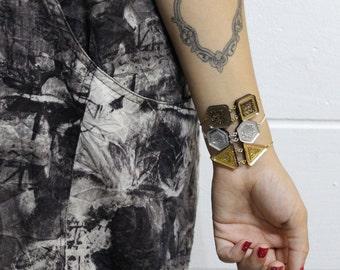 Gold Glitter Resin Geometric Bracelet