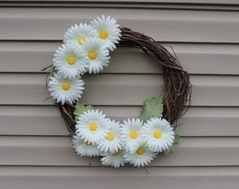 Spring wreath. Summer wreath. Mother's Day gift. Daisy wreath.