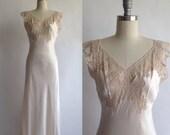 FISCHER 40s heavenly SILK lingerie bias cut blush nightgown with beige alencon lace / XS / S